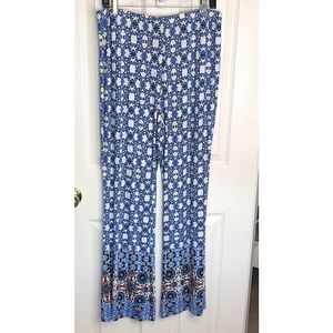 NWT Cato Blue and White Lounge Pants size Large